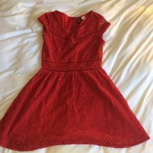 Red lace H&M dress